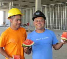 workers staying cool Resolute Building Company